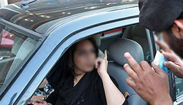 femmes sans voile au volant voiture iran