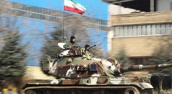 pasdarans tuent les iraniens avec mitrailleuse lourde iran