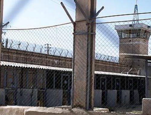Des détenus proches des gardiens violent un jeune prisonnier en toute impunité